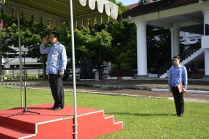 Orpeg Sulut, Farly Kotambunan, Hari Pahlawan