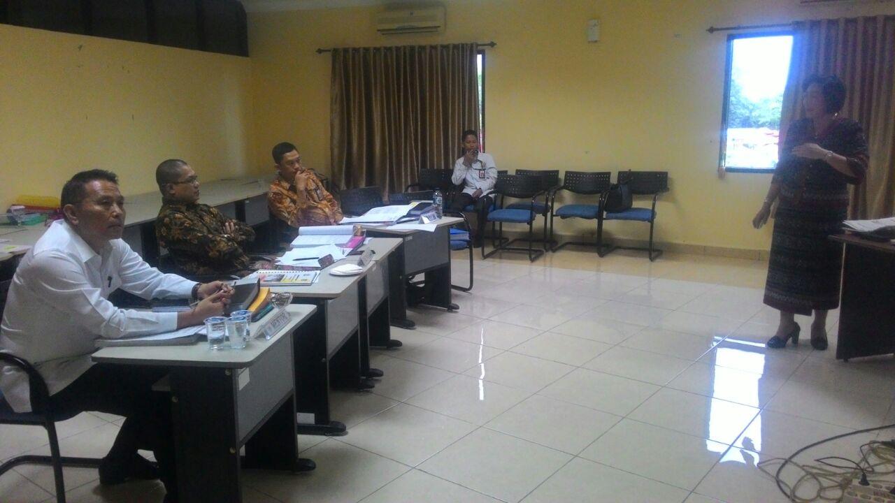 Eman Mentor di Seminar Dr Juliana D Karwur MSi MKes