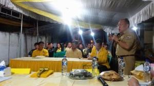 Dr Arnold Poli SH MAP saat memberikan materi tentang Empat Pilar Kebangsaan kepada warga Partai Golkar