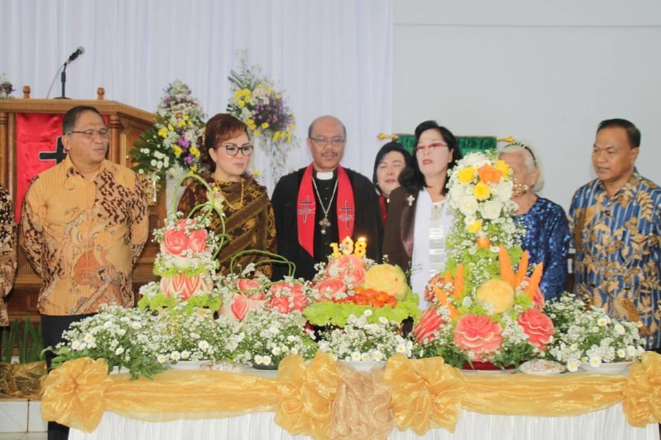 Peringatan HUT ke-138 GMIM Bukit Zaitun Kumelembuai Wilayah Tomohon Satu