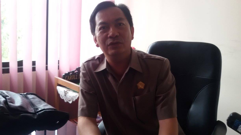 Wakil Ketua DPRD Tomoho Carol JA Senduk SH