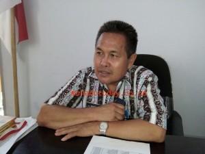 Perangkat Desa , Insentif Perangkat Desa ,Drs Jotje Wawointana,