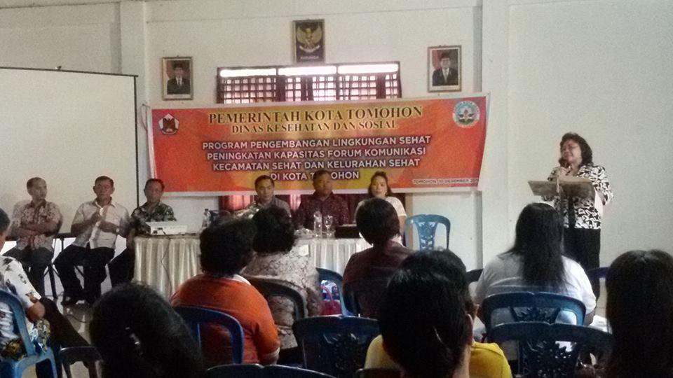 Kadis Kesehatan dr Deesje Liuw MBiomed membuka kegiatan