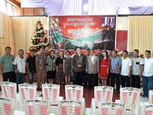 Wali Kota Tomohon Jimmy F Eman SE Ak dan para anggota JIT
