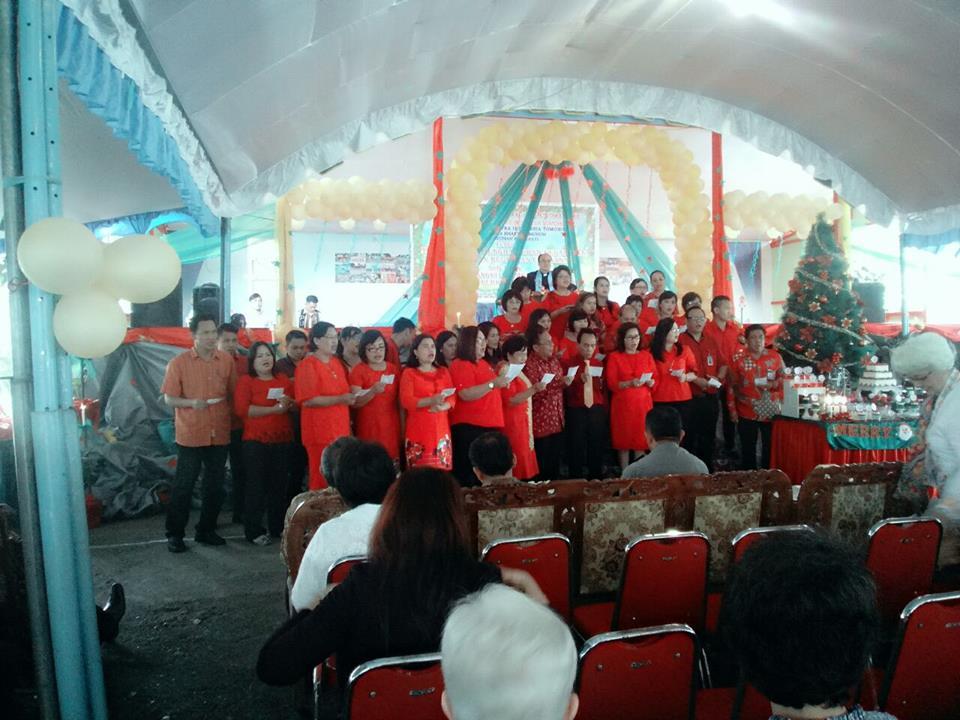 Puji-pujian dalam  Ibadah menyambut Natal YDBIT