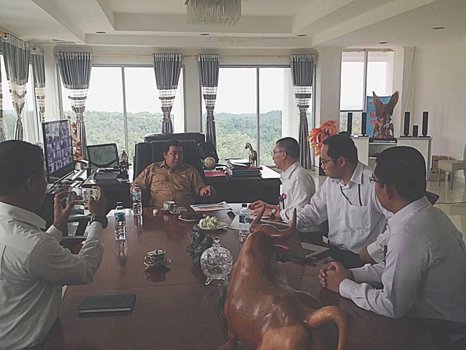 Pertemuan Bupati Sumendap dengan pihak PLN