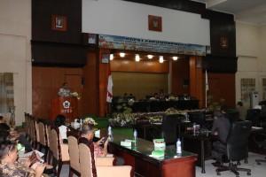 Wali Kota Tomohonb Jimmy F Eman SE Ak di Rpaat Paripurna Pemandangan Umum Fraksi tentang Ranperda Pengendalian dan Penanggulangan Rabies