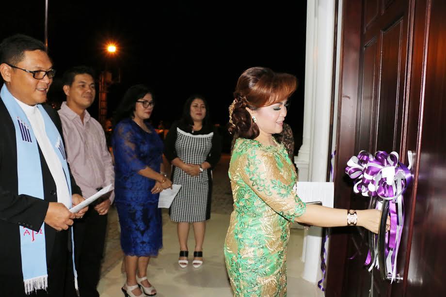 Wakil wali Kota Tomohoin Syerly Adelyn Sompotan saat membuka Rudis
