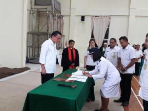 Penandatanganan pelantikan pejabat eselon III dan IV do lingkup Pemkot Tomohon