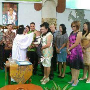 Wali Kota Tomohon Jimmy F Eman SE Ak jadi saksi baptisan
