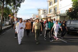 Jalan Sehat dalam rangka HUT ke-14 Kota Tomohon