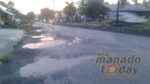 Jalur Amurang , jalan rusak
