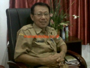 Kepala Badan Badan Kepegawaian dan Pengembangan SDM Mitra  Berti Sandag SE