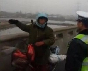 Sudah Mengayuh Sepeda Sejauh 500km Untuk Pulkam, Ternyata Arahnya Salah