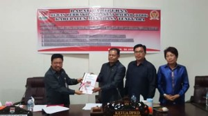 Sekda Ir Farry Liwe MSc menyodorkan tiga Ranperda ke DPRD
