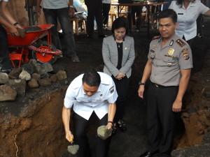Eman letakkan batu pertama pembangunN RSUD Pratama di Kota Tomohon