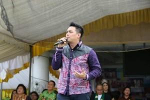 Donny Sibarani, Vokalis Ada Band di Syukuran HUT Pertama Kepemimpinan EMAS