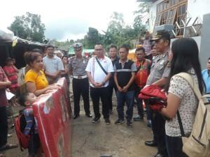 JIT, CV Anugerah Mulia dan Polres Tomohon salurkan bantuan le korban banjir