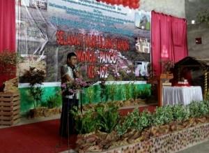Bupati Sumendap saat menghadiri HUT Desa Pangu