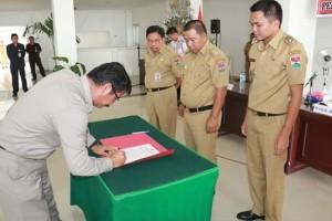 Penandatanganan Pakta Integritas dan Perjanjian Kinerja di Pemkab Mitra