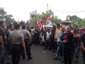 Peternak Babi Minahasa yang melakukan aksi Demo di Kota Tomohon