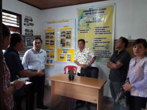 Tim Verifikasi saat mengunjungi Sekretariat Forum Kota Sehat