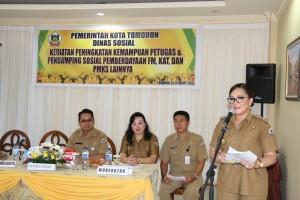 Wakil Wali Kota Syerly Adelyn Sompotan memberikan sambutan