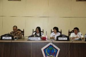 Rapat penguatan peran SKPD dalam pengendalian zoonosis, yang digelar di ruang C.J. Ratung kantor gubernur Sulut