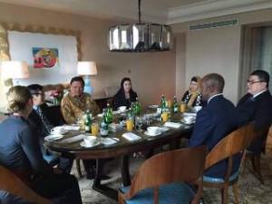 Gubernur Sulut Olly Dondokambey ketika mendampingi MenkumHam RI Yasona Laoly dan Duta Besar RI di Seychelles Nico Barito, dalam pertemuan dengan Wapres Republik Seychelles Mr Vincent Meriton dan rombongan