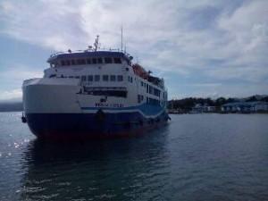 KMP Dalenta Woba Beroperasi di Pelabuhan Amurang