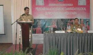 Wagub Sulut Steven Kandouw, didampingi Kepala Dinas PMD-DD Sulut Roy Mewoh, ketika memberikan sambutan dikegiatan Diseminasi Pelestarian Adat Istiadat dan Budaya Lokal di Sulut