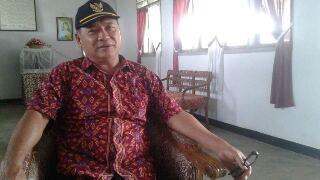 Kepsek SMP Negeri 1 Motoling Johni Pongantung