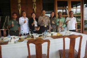 Foto bersama Kapolres Minsel, Wakil Bupati Frangky Donny Wongkar dan unsur Forkompinda Minsel dan Mitra