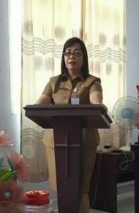 Kepala DPPKB, Anna Dotulong Spd.MM