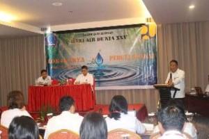 Sekdaprov Sulut Edwin Silangen, ketika membuka Lokakarya Peduli Sungai dalam rangka Peringatan Hari Air Dunia ke XXV bertempat di Hotel Ibis Manada, Rabu (15/3/2017)