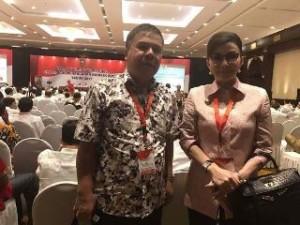 Bupati CEP dan Kaban Kesbangpol Pemkab Minsel Benny Lumingkewas saat menghadiri Rakornas Bupati Minsel Hadiri Rakornas Penanganan konflik Sosial Tahun 2017 di Jakarta