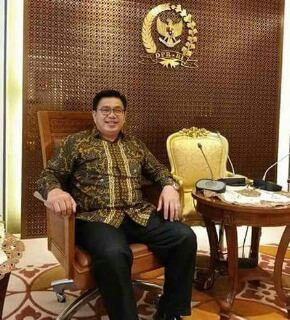 Ketua DPD II Partai Golkar Tonny Henrik Lasut Am.Tm