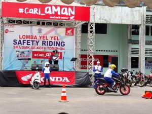 Sosialisaai dan peragaan safety riding