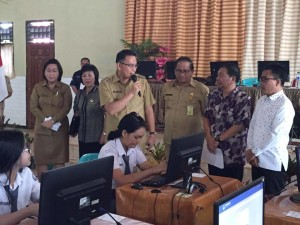 Pemantauan UNBK oleh Wali Kota, Anggota DPD-RI, Kerua DPRD Tomohon, dan jajaran Dinas Dikbud Tomohon