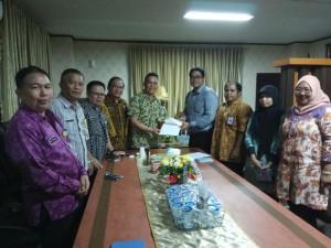Wali Kota Tomohon didampingi kakaran bersama Tim BPK-RI Perwakilan Sulut