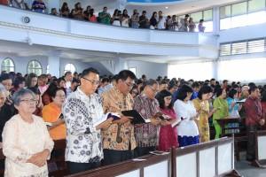 Wali Kota Tomohon di GMIM Maranatha Paslaten
