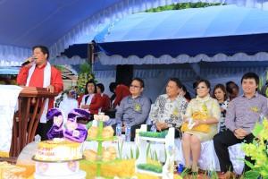 Wali Kota dan Wakil Wali Kota di GMIM Sion Woloan