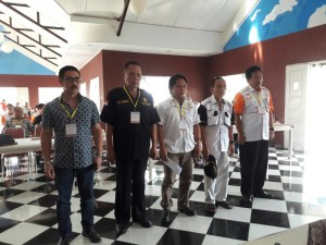 Enos dan jajaran Pengurus ORARI Lokal Tomohon Periode 2017-2020