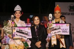 Putra-Putri Tomohon dan Wakil Wali Kota Syerly Adelyn Sompotan