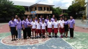 Enam siswa utusan OSN Tomohon bersama pendamping
