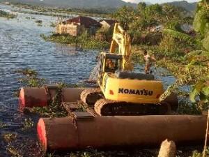 Angkut Enceng Gondok, Pemkab Tambah 3 Eksavator Baru