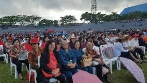 Jemaat dan undangan saat ikuti Ibadah Agung Paskah