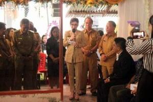 Bupati dan Wabup serta sejumlah Kepala Perangkat Daerah menghadiri ibdah pemakaman Alm. Gerson Emor (Orangtua Terkasih dari Kadis PP, KB & P3A Kabupaten Minahasa Selatan Audy Emor