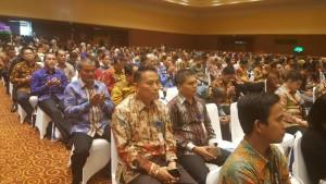 Wali Kota Tomohon didampingi Kabag Humas dan Protokol di Rakornas Kemaritiman