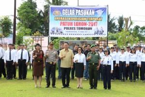 Wali Kota Tomohon, Ketua DPRD Tomohon, Kapolres Tomohon dan jajaran Forkopimda di Gelar Pasukan Patuh Lokon 2017